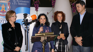20100315182618-premiomujercd.jpg