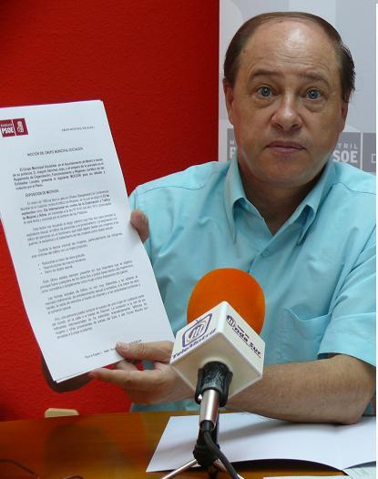 20101008151934-el-concejal-socialista-de-motril-manuel-garcia-albarral-1-.jpg