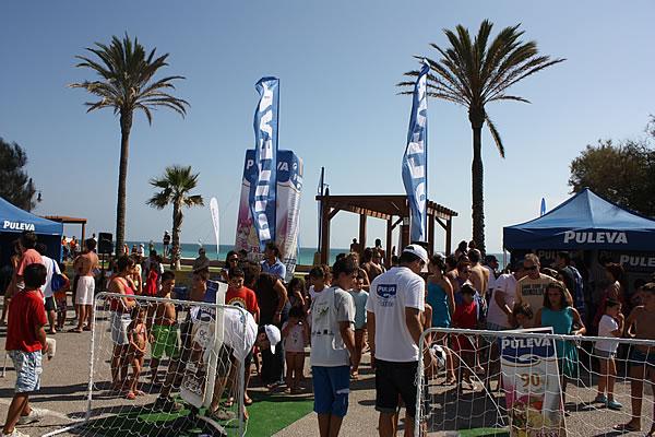 Batidos PULEVA ameniza la playa de Poniente en Motril 522af6f7e17