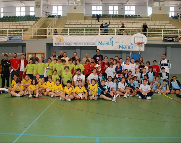 20111216182506-finalistas-i-torneo-navidad-baloncesto.jpg