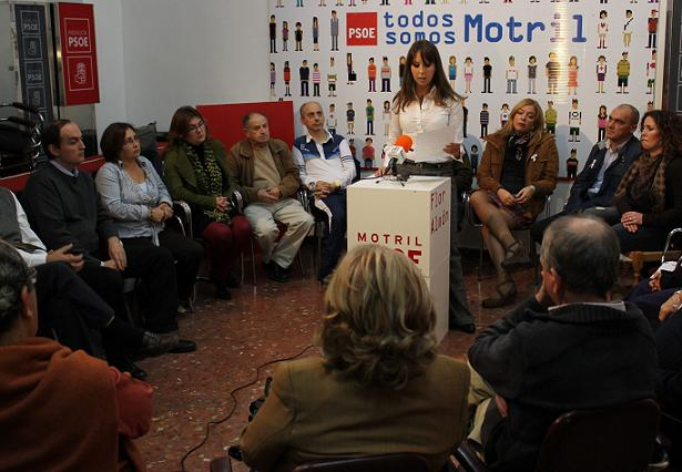 20120308225450-lectura-manifiesto-en-la-sede-del-psoe.jpg
