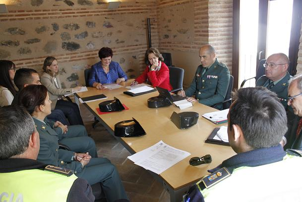 20120504153629-reunion-comision-policial.jpg