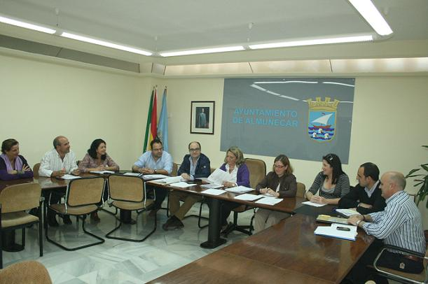 20120509030423-junta-gobierno-almunecar.jpg