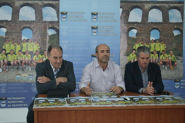 20120509184516-presentacion-xvii-campeonato-andalucia-selecciones-provinciales-alevin-7-futbol-trofeo-ciduad-almunecar.jpg