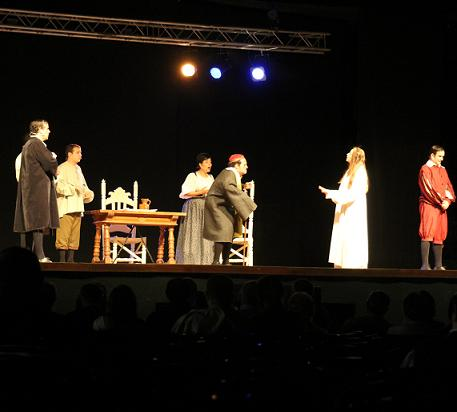 20120703133133-teatro-clasico-en-almunecar-parque-el-majuelo.jpg