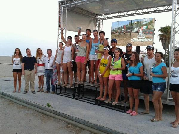 20120709130104-entrega-trofeos-circuito-voley-playa-09-07-12.jpg
