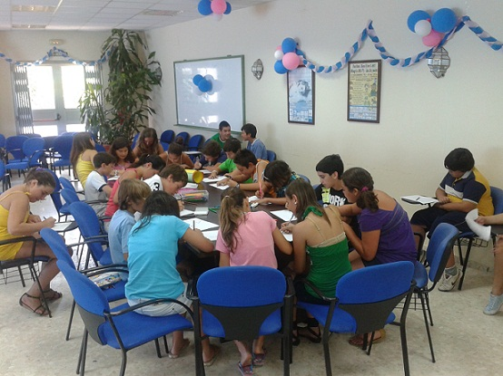 20120710204155-jovenes-en-talleres-12.jpg