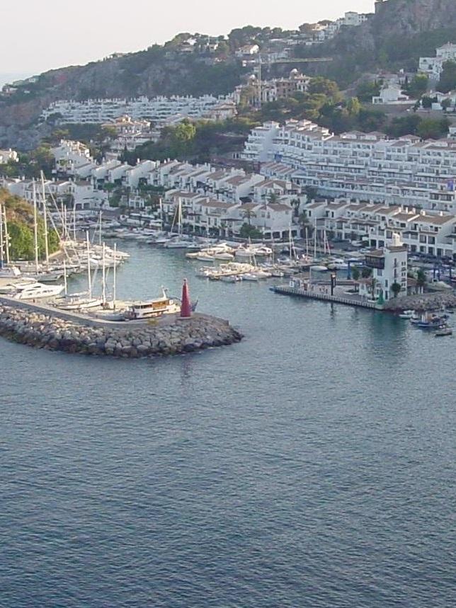 20140916170940-puerto-marina-del-este.jpg