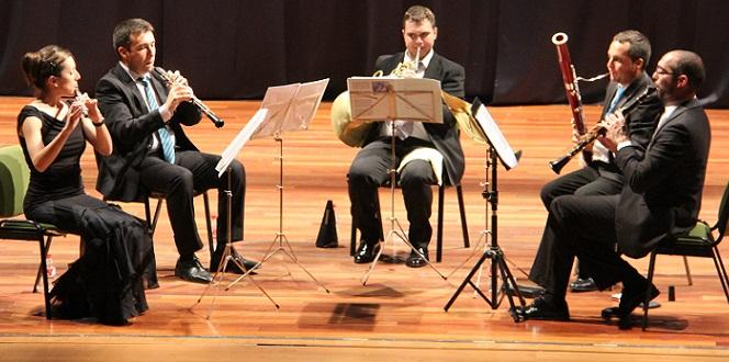 20141029065434-quinteto-viento-ethos-durante-actuacion-en-almunecar.jpg
