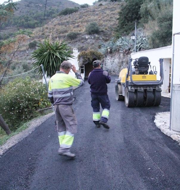 20141114181620-trabajos-asfaltado-cerval-alto-la-herradura-14.jpg