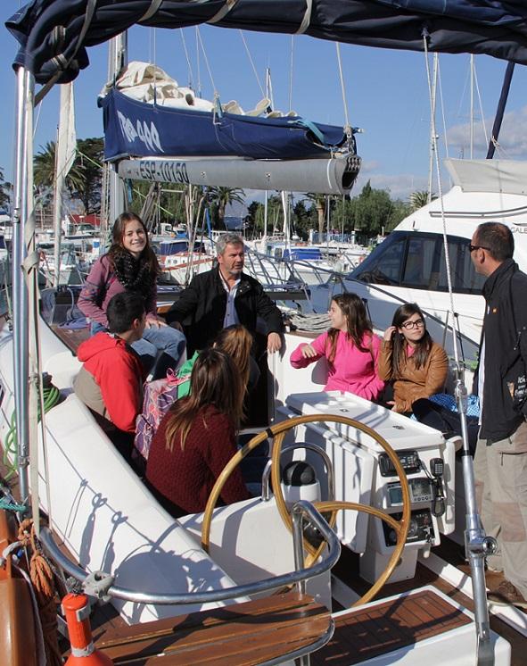El área de Deportes acerca la navegación a vela a los alumnos de Secundaria