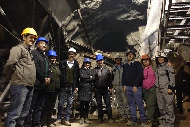 La delegada del Gobierno visita la explotación de fluorita de Minera de Orgiva en la Sierra de Lújar