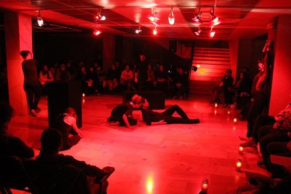 20141210221342-escenificacion-teatralizada-poesia-erotica-en-almunecar-14-1-.jpg