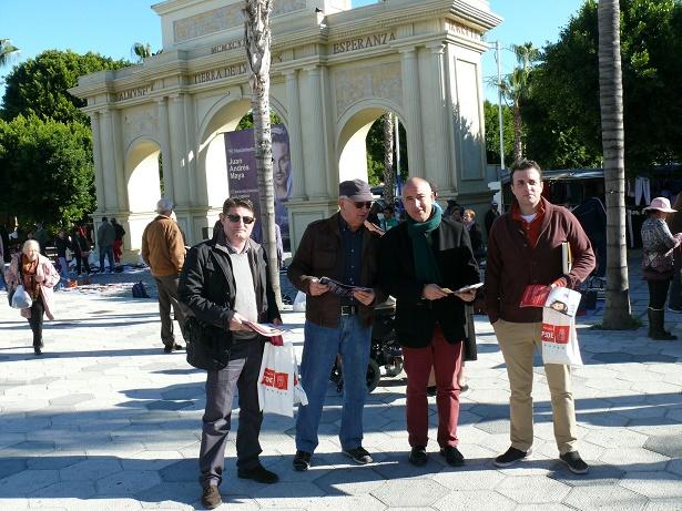 20141213055801-representantes-socialistas-participan-en-campana-presupue-stos-en-almunecar.jpg