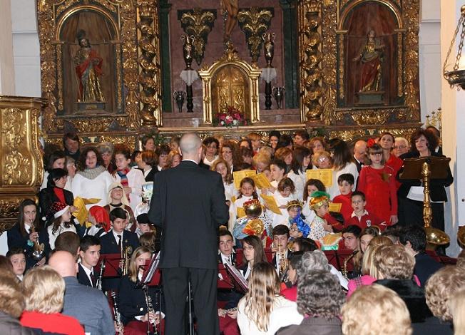 Órgiva le canta a la Navidad en el III Certamen de Villancicos