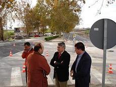 El alcalde de Motril, Pedro Alvarez, visita las obras de desdoblamiento de la carretera del puerto