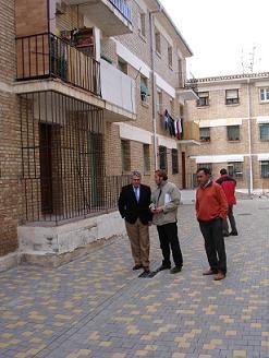 Pedro Alvarez anunció la rehabilitación de las 124 viviendas del Barrio Salvador Huertas de Motril, después de que se finalice la urbanización del mismo en Julio