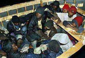 En 2005 arribaron a la costa de Granada 69 pateras, 27 menos que en 2004