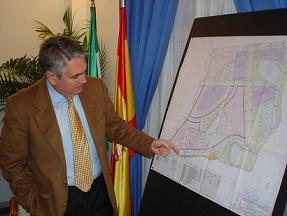 Pedro Alvarez anuncia la construcción de 200 viviendas VPO