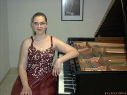Concierto de piano de Eva María Jiménez el día 4 febrero en el Centro Cultural de Caja Granada en Motril