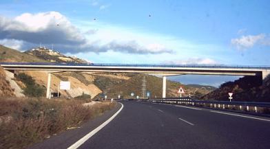 El PP inaugura el tramo de la A- 7 de la costa de Granada que según los populares debería estar finalizado