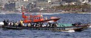 Son transportados al puerto de Motril 31 inmigrantes que viajaban en una patera