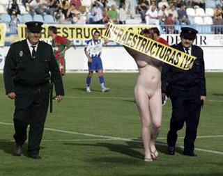 El comité de competición sanciona con 60,10 euros al Motril CF por la stripper