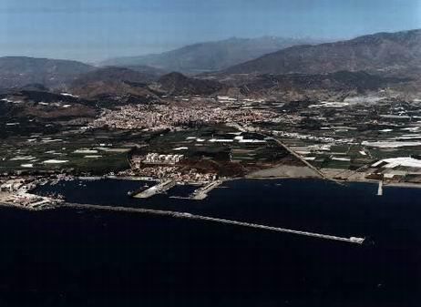 El puerto de Motril aumenta un 4,78% el movimiento de mercancías durante su primer año de independencia