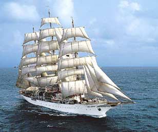 El Sea Cloud atraca en el puerto de Motril