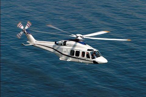 Motril acoge el sábado el II Festival Aéreo con la presencia  de cinco helicópteros y una exhibición de aeromodelismo