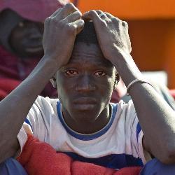 Localizados 17 inmigrantes, siete de ellos menores, huídos tras llegar a Motril  en patera