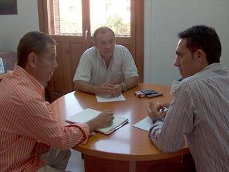 La Concejalía de Turismo y la Asociación de Chiringuitos se unen para que no desaparezcan estos establecimientos en Motril