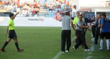 Primera y contundente victoria del Granada 74 ante el Tenerife en el estadio Escribano Castilla de Motril