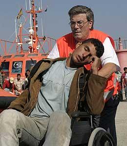 Llega al puerto de Motril una patera con 72 inmigrantes entre los que se encontraban dos menores