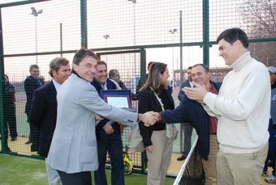Sánchez Vicario inaugura las pistas de padel y tenis de Motril