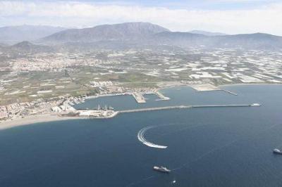 Marruecos y el puerto de Motril podrían crear entre sí líneas marítimas de mercancías y de pasajeros