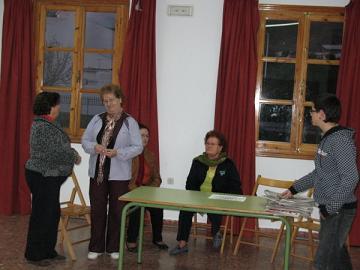 Un grupo de mujeres de Lobres escriben su propia obra de teatro