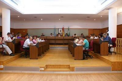 El pleno de Motril aprobará la mejora de Las Explanadas, el centro de recogida de animales y la rehabilitación del Centro de Drogodependencia