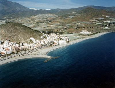 La Fiscalía denuncia vertederos ilegales en las playas de Castell de Ferro, Los Yesos, Pozuelo, y La Rábita