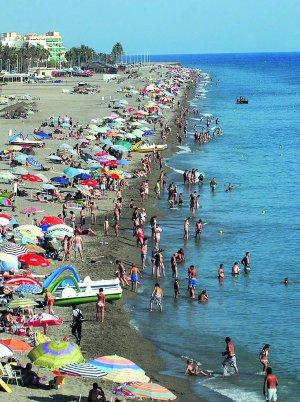 Salobreña pone en marcha un plan de mejora de las playas