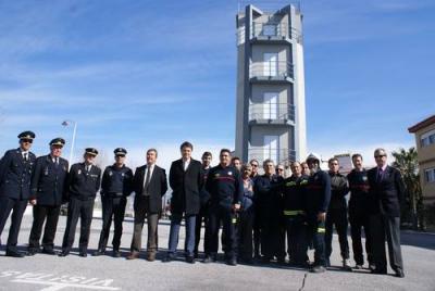 Los Bomberos de Motril cuentan desde hoy con la nueva torre de Entrenamiento