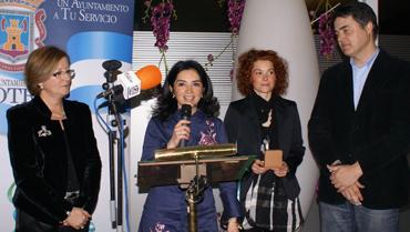 """El Ayuntamiento de Motril entrega el Premio """"Mujer 2010"""""""