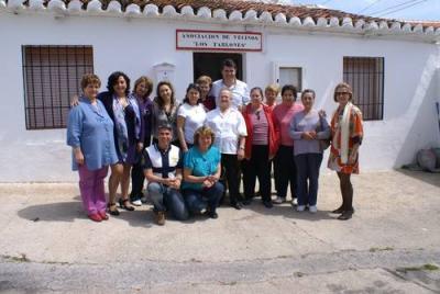 """Carlos Rojas comparte una jornada de convivencia con las mujeres que desarrollan talleres sociales en """"Los Tablones"""""""