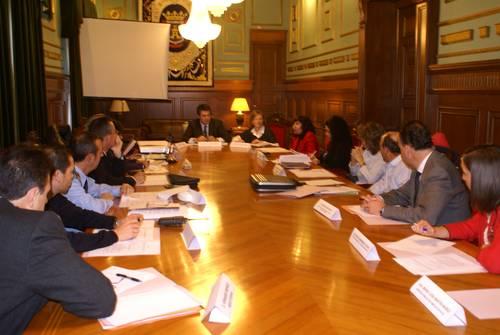 La comisión municipal de Seguimiento contra la Violencia de Género reivindica la creación de un Juzgado Comarcal específico en la materia