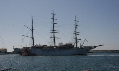 Visitan 4 curceros el puerto de Motril