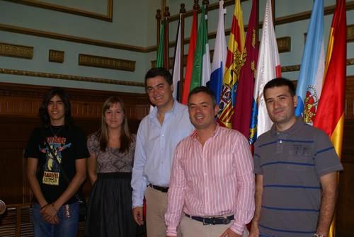 El Ayuntamiento de Motril firma un convenio de colaboración con la Asociación Juvenil 'Altair'
