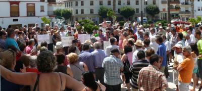 La subida del IBI en Salobreña provoca una manifestación vecinal