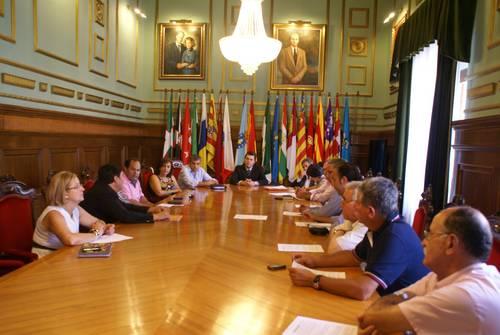 La Plataforma aprueba por unanimidad movilizarse el próximo 20 de julio para reivindicar la terminación de las infraestructuras de la Costa
