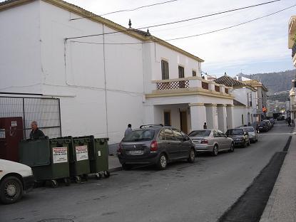 Educación demolerá en Vélez de Benaudalla el viejo colegio de 1954 y estrenará centro el próximo curso