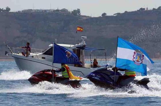 La IV Travesía 'Motril-Melilla' cubre su primera etapa en diez horas